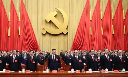 China prohíbe bautizos en iglesias para contener cristianismo